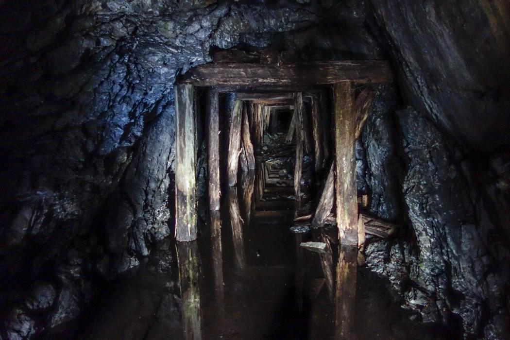 Opuszczona kopalnia kilkanaście km na zachód od Chile Chico